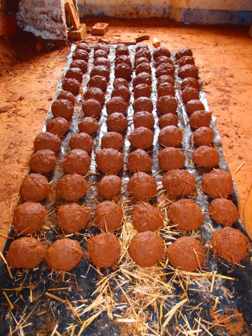cob balls, rocket mass heater, Portugal 2014