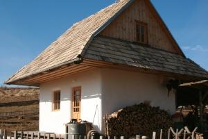 Hannas straw bale house, so cozy!